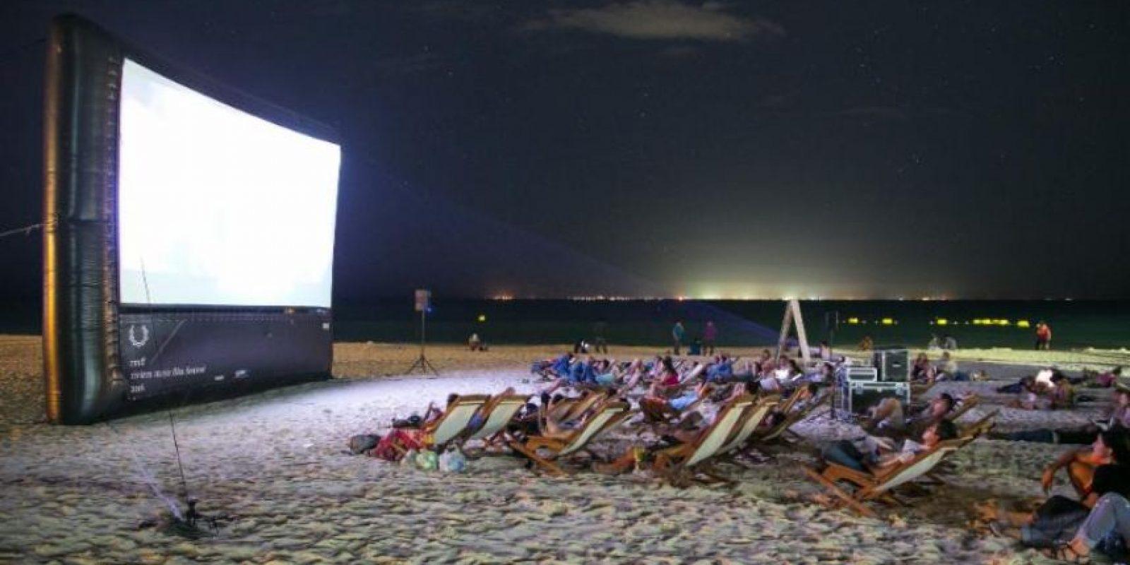 Comenzaron las proyecciones en las playas de Cancún Foto:RMFF
