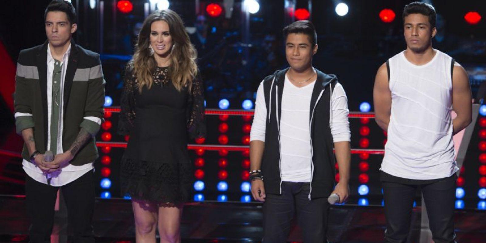 """César D´Alessio y el dueto de Max y Edeer cantaron """"Bailando"""". César fue el vencedor. Foto:Televisa"""