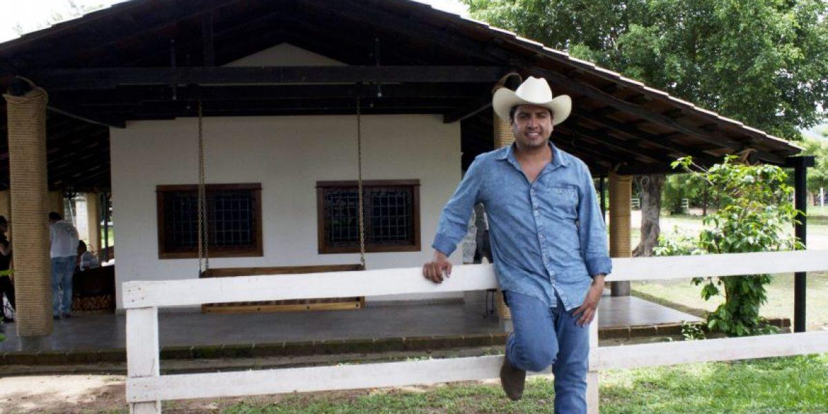 """Julión Álvarez mostró su rancho """"Santa Rosa"""" en Chiapas"""