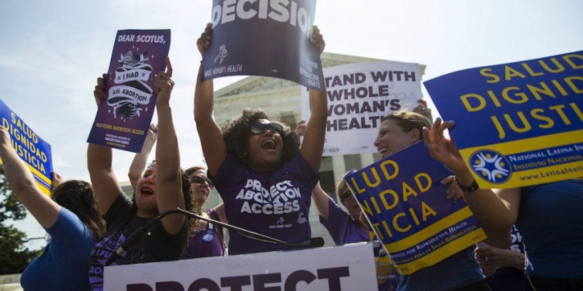 Supremo de EU refuerza el derecho de mujeres a abortar
