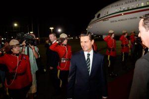 El presidente arribó aproximadamente a las 23:50 hrs de este domingo Foto:Notimex