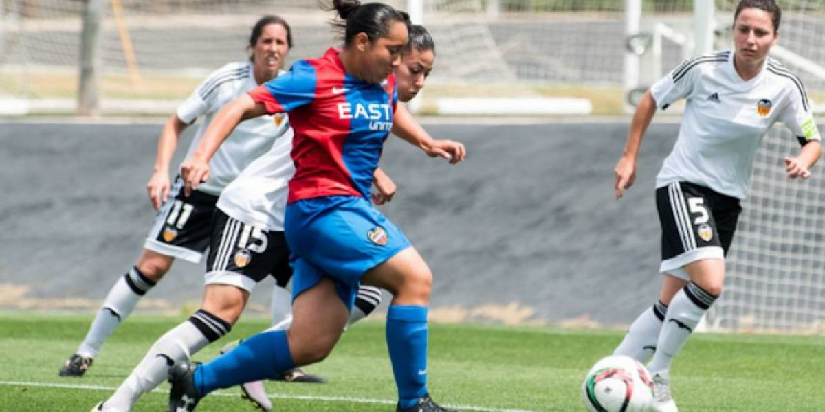Charlyn Corral, dentro del once ideal de La Liga femenil 2015-2016