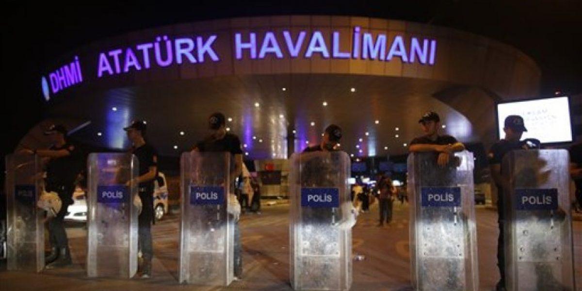 Reportan 36 muertos por ataque a aeropuerto de Estambul