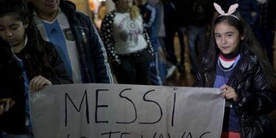 Todos mostrando su apoyo al astro argentino Foto:AP