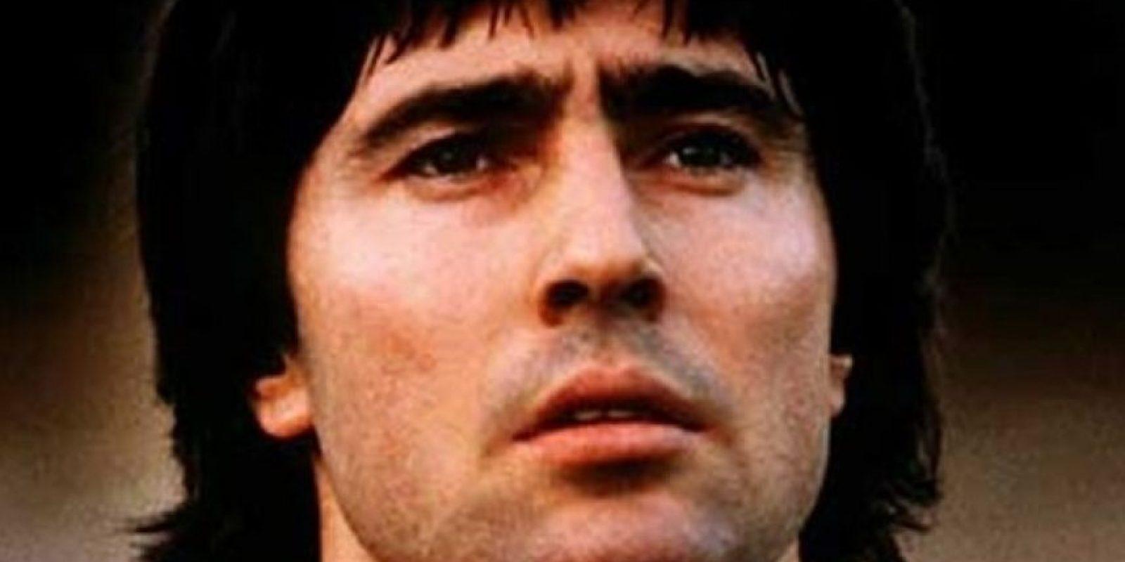 Checoslovaquia fue la sensación de la Eurocopa Alemania 1976. Anton Ondrus sería una de los héroes de la semifinal al marcar uno de los tantos de la victoria ante Holanda y luego, en la final, Panenka se haría famoso picando su penal en la definición ante Alemania Foto:Getty Images