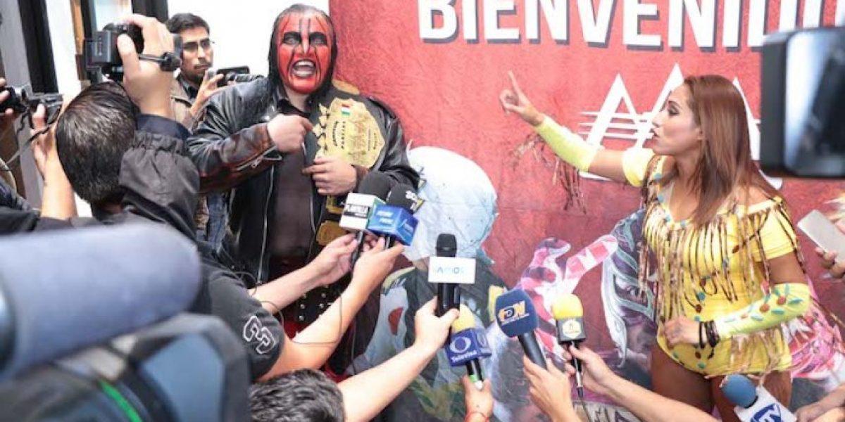 VIDEO: Luchador Chessman agrede a Faby Apache