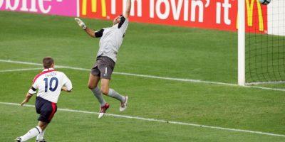 Michael Owen es el séptimo gol más rápido de la Eurocopa. El delantero inglés anotó la apertura del marcador en el empate a dos tantos ante Portugal por los cuartos de final de la Eurocopa 2004 Foto:Getty Images