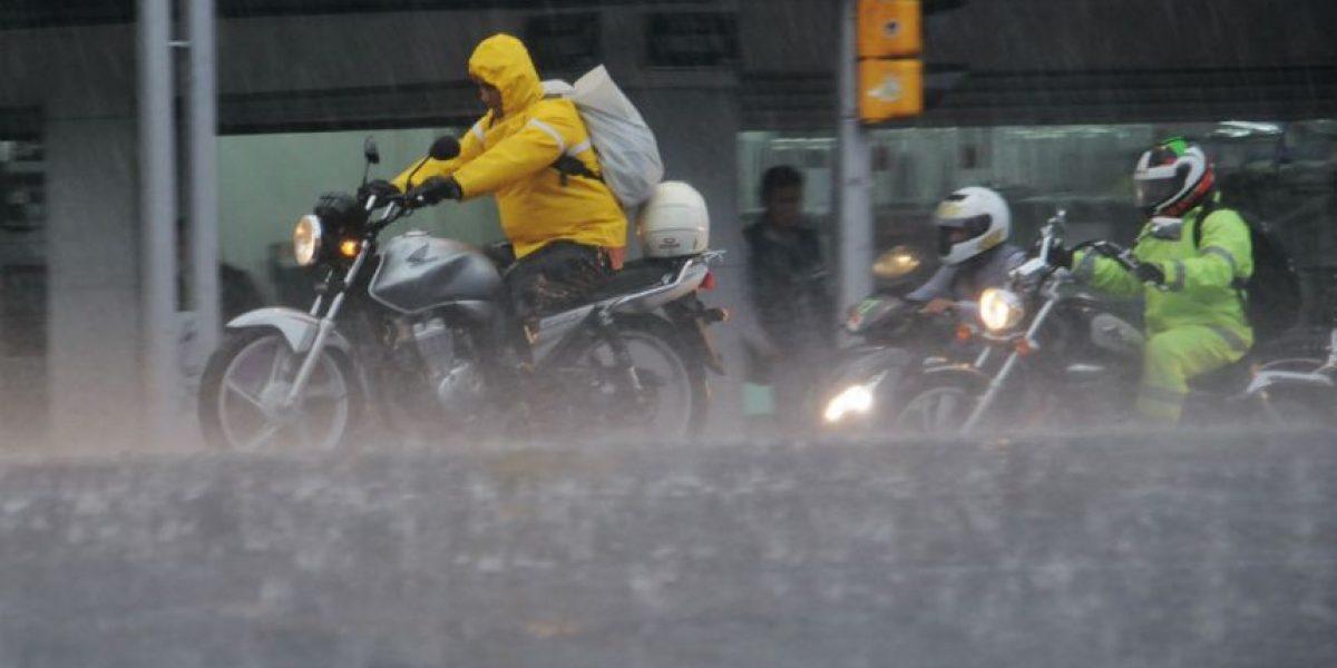 LLuvia vuelve a inundar vialidades de la CDMX