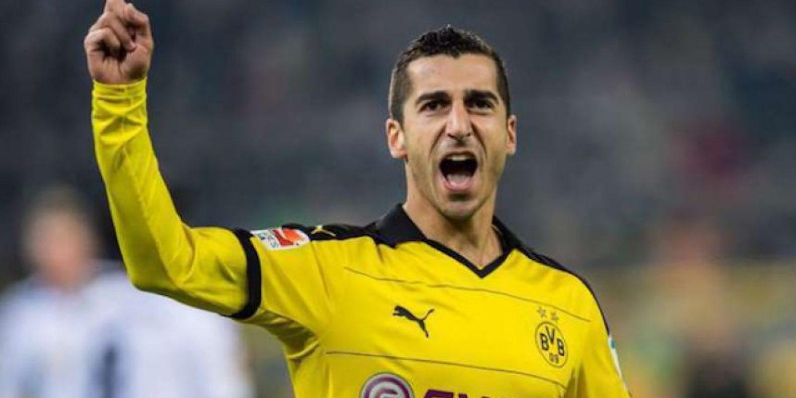 Este delantero armenio de 27 años llega a Inglaterra procedente del Borussia Dortmund. Foto:Twitter