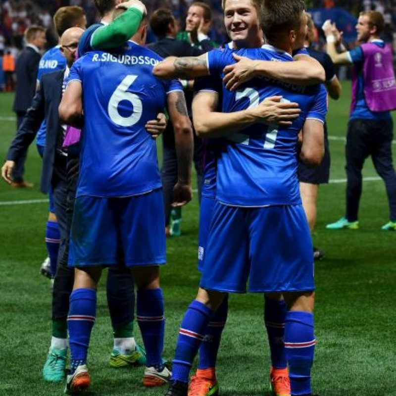 Islandia es el equipo sensación de la Eurocopa y venció por 2 a 1 a Inglaterra en los cuartos de final Foto:Getty Images