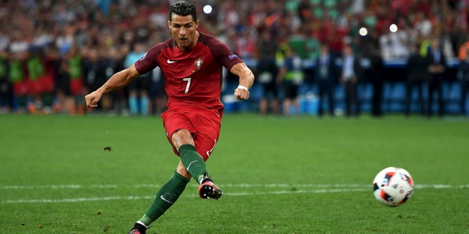 En la definición a penales ante Polonia, CR7 no falló en su intento Foto: Getty Images