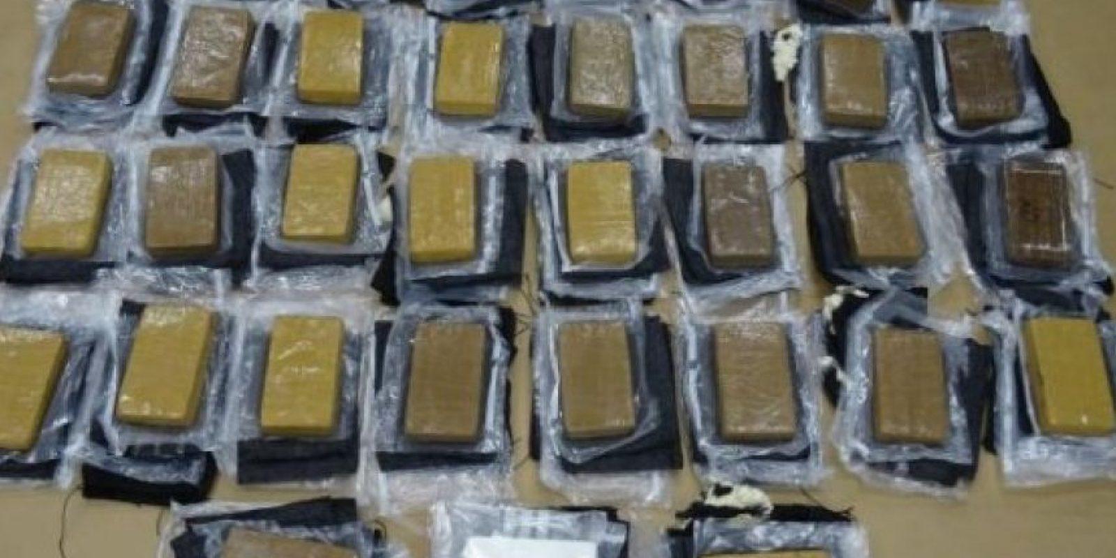 En su interior había 35 bloques de cocaína de alto grado con un valor de 10 millones de dólares estadounidenses. Foto:Policía Nueva Zelanda