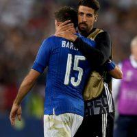 Así también lo entendió Andrea Barzagli, quien tampoco aguantó las lágrimas en plena entrevista Foto:Getty Images