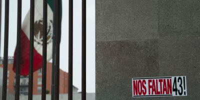 Otro manifestación se realizó a las afueras de la PGR: Foto:Galo Cañas / Cuartoscuro