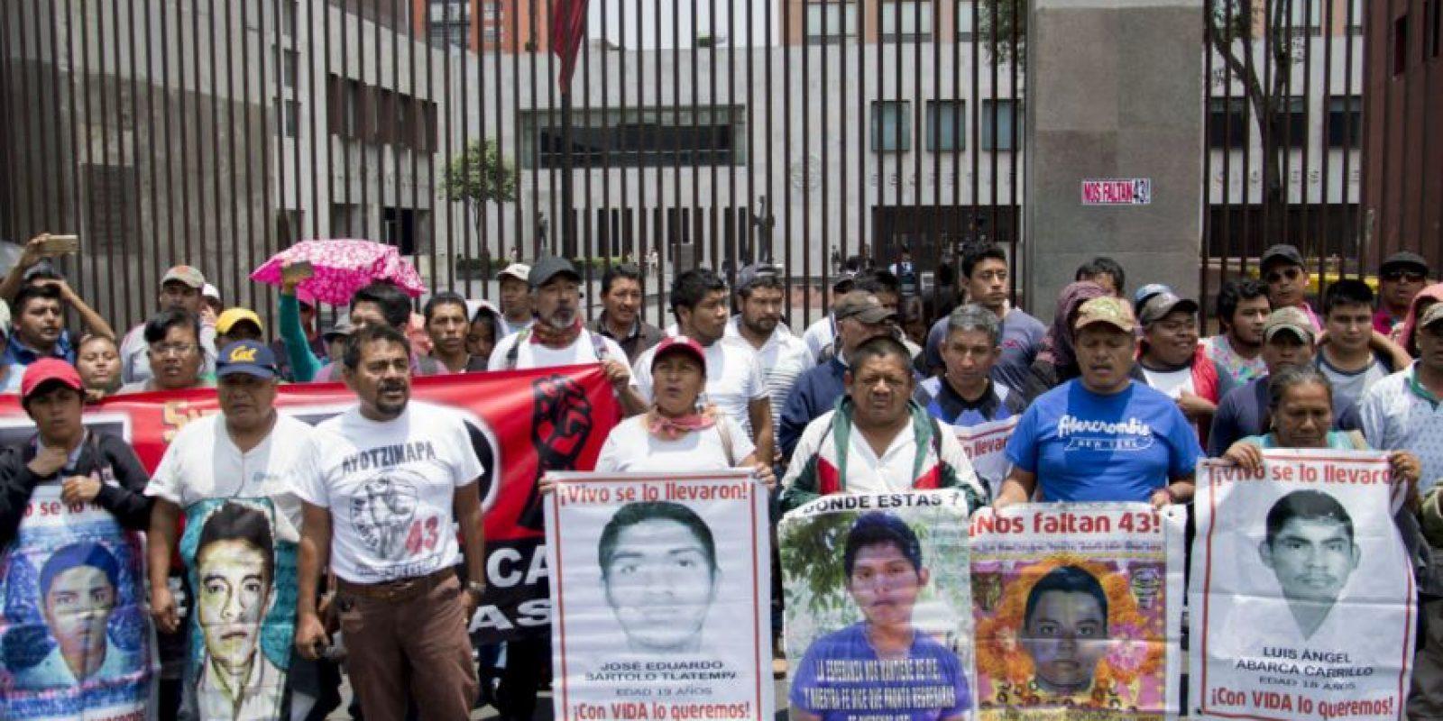 La exigencia es que las investigaciones para dar con los responsables y el paradero de los estudiantes continuen. Foto:Galo Cañas / Cuartoscuro