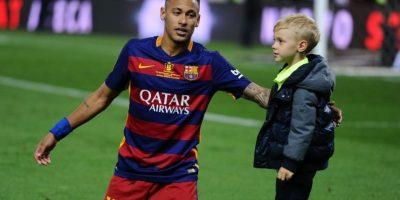 El caso de Neymar ha sido toda una telenovela en Barcelona. El delantero, su padre y Barcelona fueron imputados por estafa tras declarar un valor menor en su fichaje, asegurando que habían pagado 57,1 millones de euros y su coste real bordeó los 100 millones Foto:Getty Images