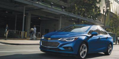 La parte frontal acusa una parrilla doble que marca la tendencia de la marca, además, la aerodinámica y el peso mejoraron considerablemente. Foto:Chevrolet
