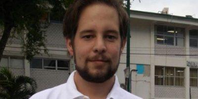 "Raoul ""Pollo"" Ortiz narra encuentros de futbol para Televisa Deportes. Foto:Twitter"