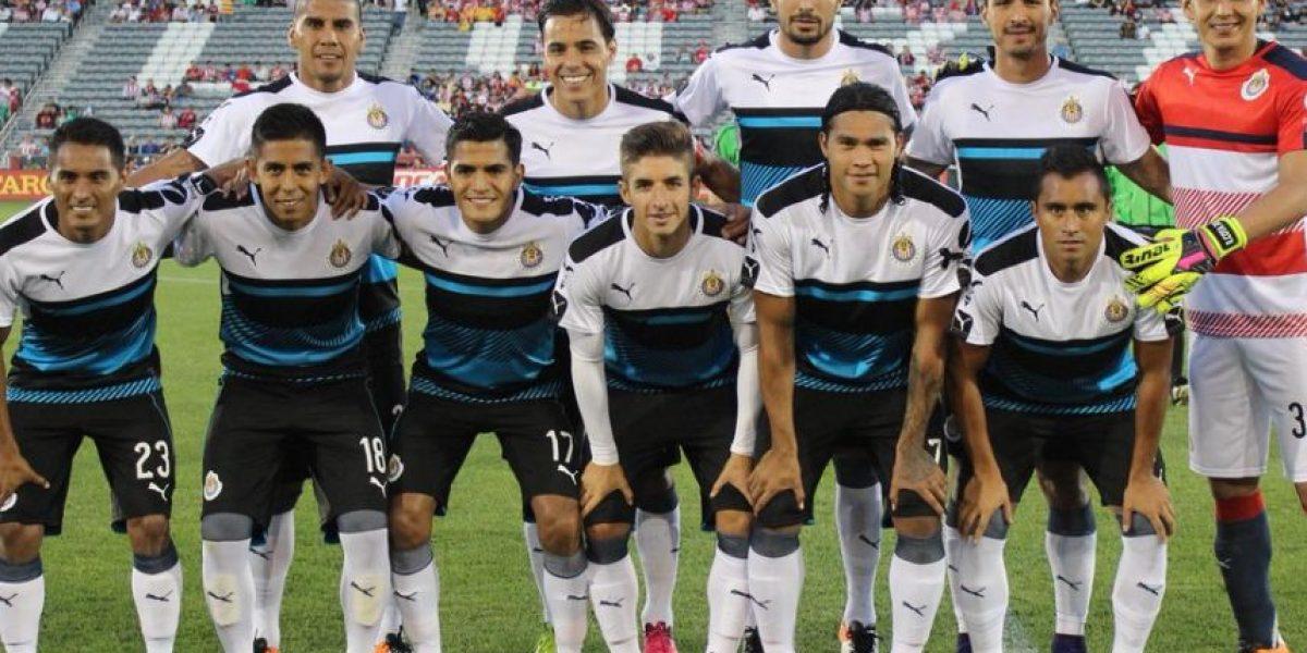 Nueva playera de Chivas cuesta más de dos mil pesos