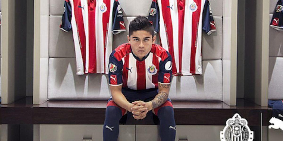 Chivas presenta su nueva playera para el Apertura 2016