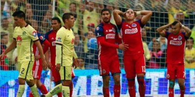 América y Chivas van a jugar el mismo día y a la misma hora Foto:Getty Images