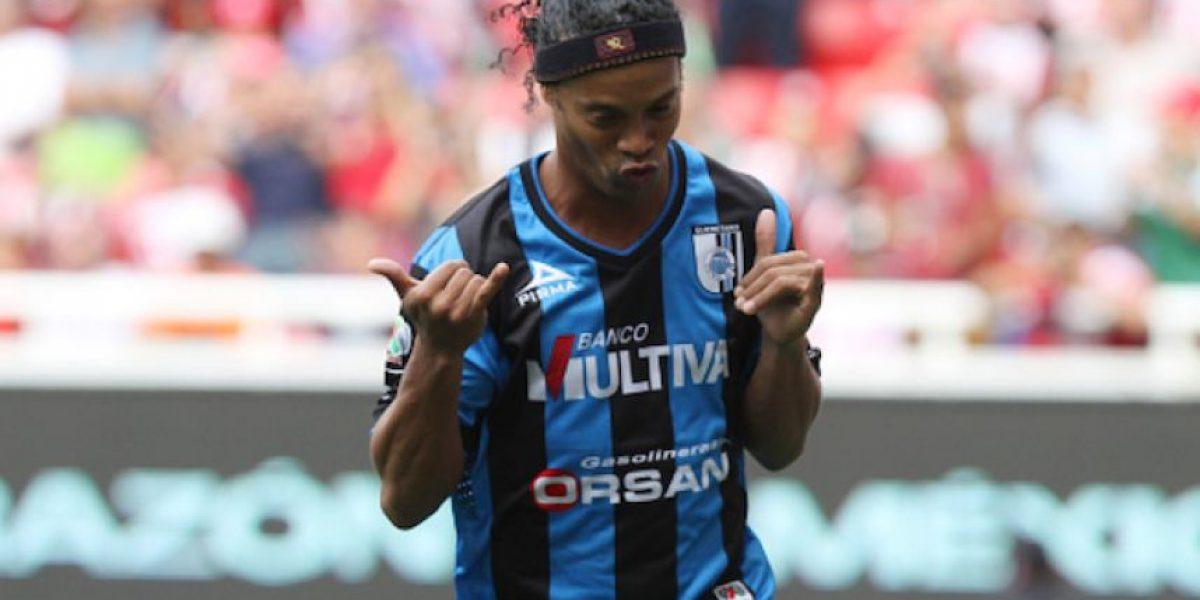 Ronaldinho felicita al Querétaro por su 66 aniversario
