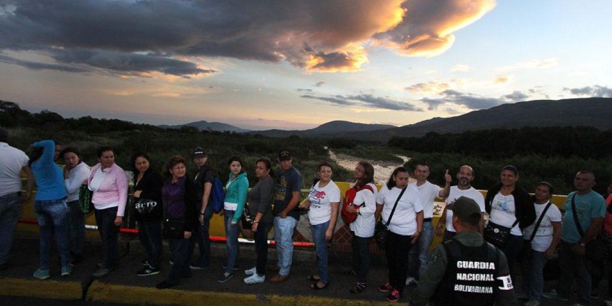 Miles de personas cruzan la frontera de Venezuela en busca de alimentos