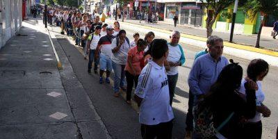 Se calcula que 25 mil personas cruzaron Foto:EFE