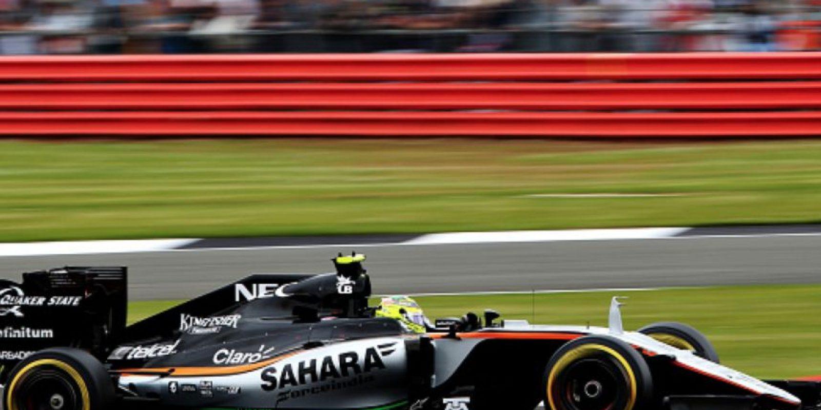 El Force India de Sergio Pérez durante las primeras vueltas en Silverstone. Foto:Getty Images