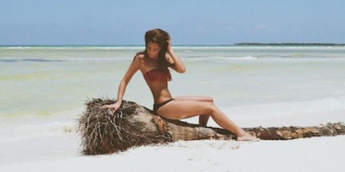 María, hija de Mariana Levy, posa desnuda en la playa