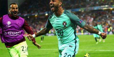 En los octavos de final se toparon con Croacia y necesitarían irse al alargue para vencer con un agónico gol de Ricardo Quaresma Foto:Getty Images