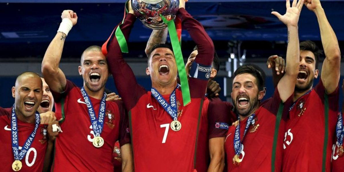 De Mourinho a Bale: Las felicitaciones en Twitter para Portugal