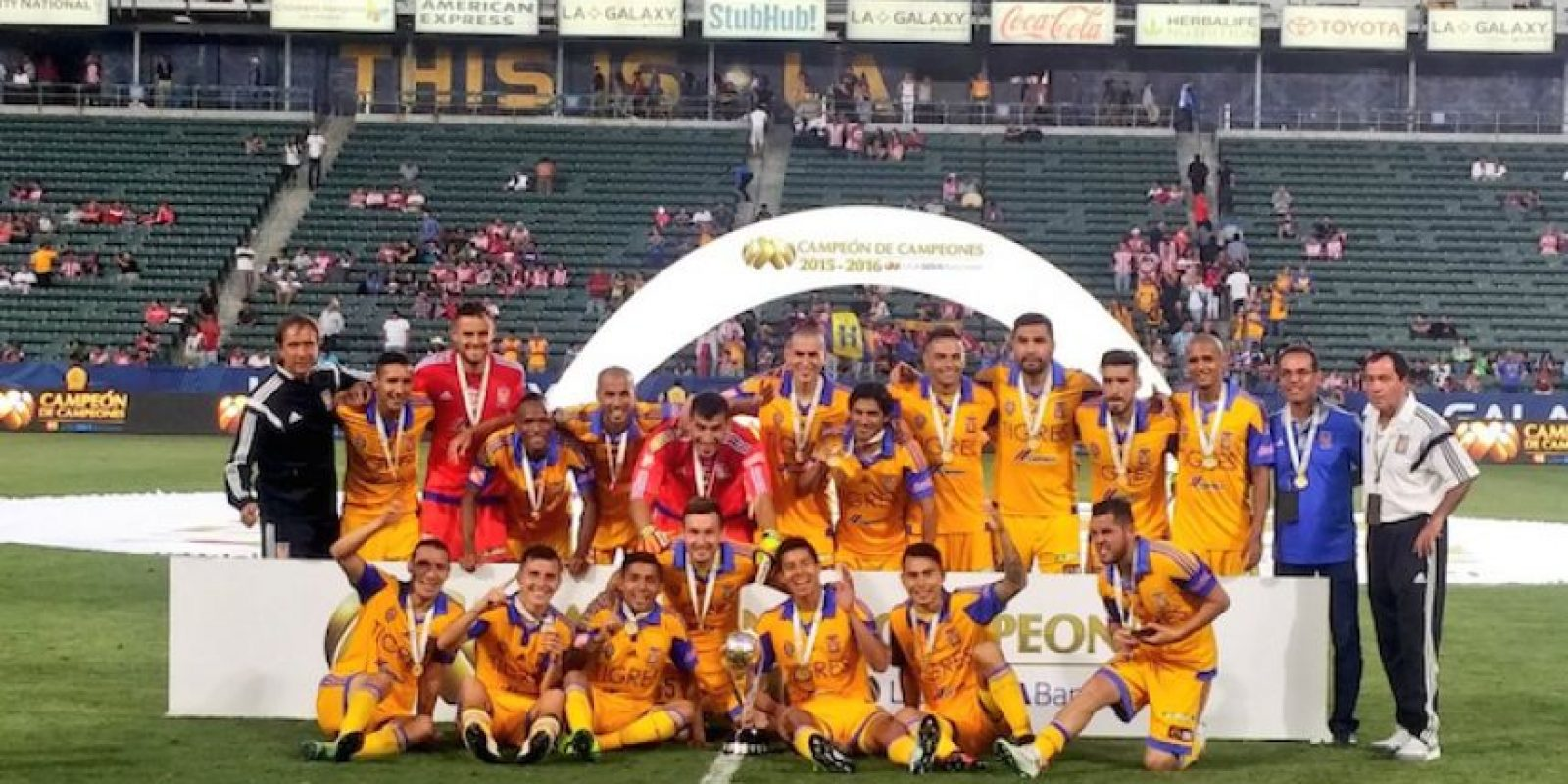 Ismael Sosa se estrena con Tigres y ganan el Campeón de Campeones Foto:FMF