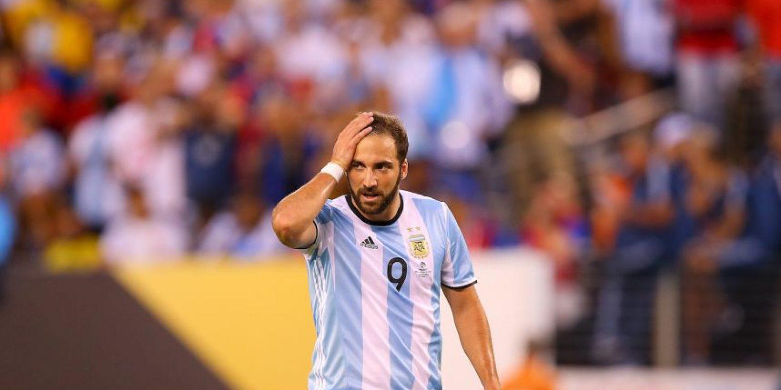 Y fue comparado por sus errores con el argentino Gonzalo Higuaín Foto:Getty Images