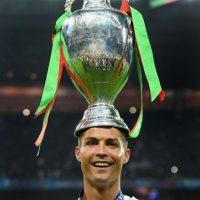 Cristiano Ronaldo se ubicó en el cuarto lugar del top 100 y superó a Lionel Messi. Es el deportista mejor pagado Foto:Getty Images