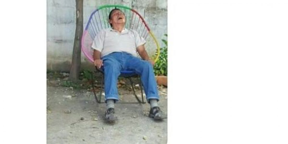 FOTOS: Joven fotografía a su tío mientras duerme e internet hace de las suyas