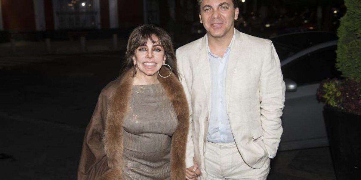 Verónica Castro espera a Lucía Méndez en el teatro