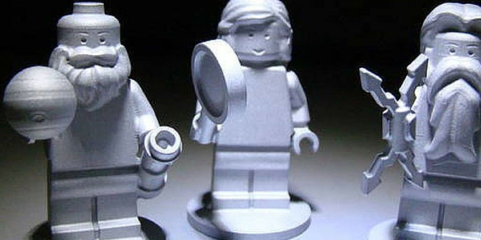 Las figuras que miden aproximadamente 3.81 centímetros de alto (1.5 pulgadas) son parte de un programa educativo desarrollado entre la NASA y el Grupo LEGO Foto:NASA