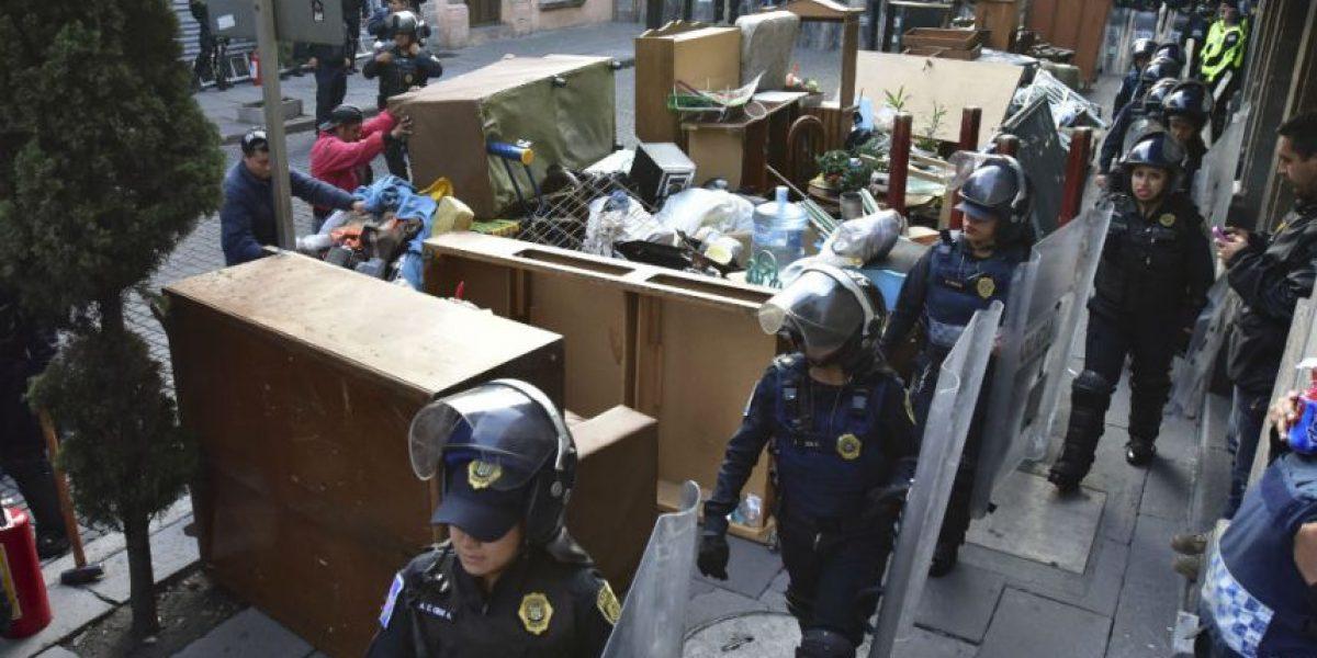 Desalojan a 6 familias de otro predio en el Centro Histórico