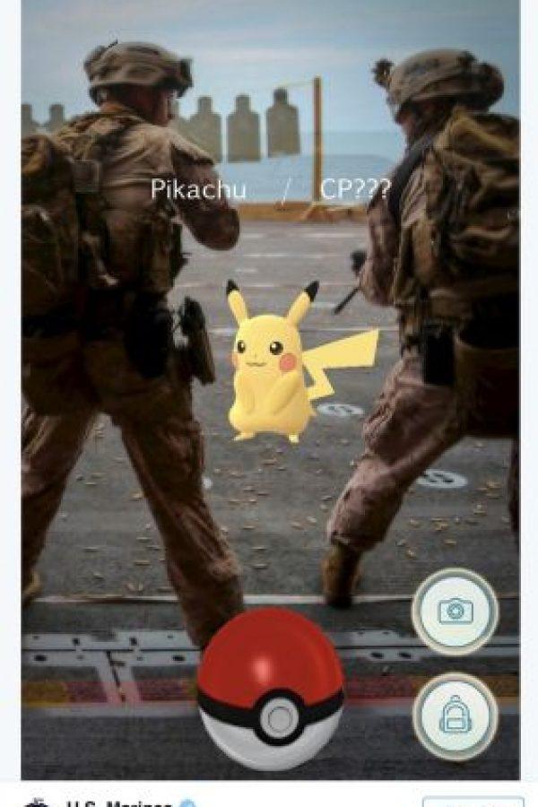 Por otro lado, los marinos estadounidenses le pidieron a Pikachu salir de la zona de tiro Foto:Twitter.com
