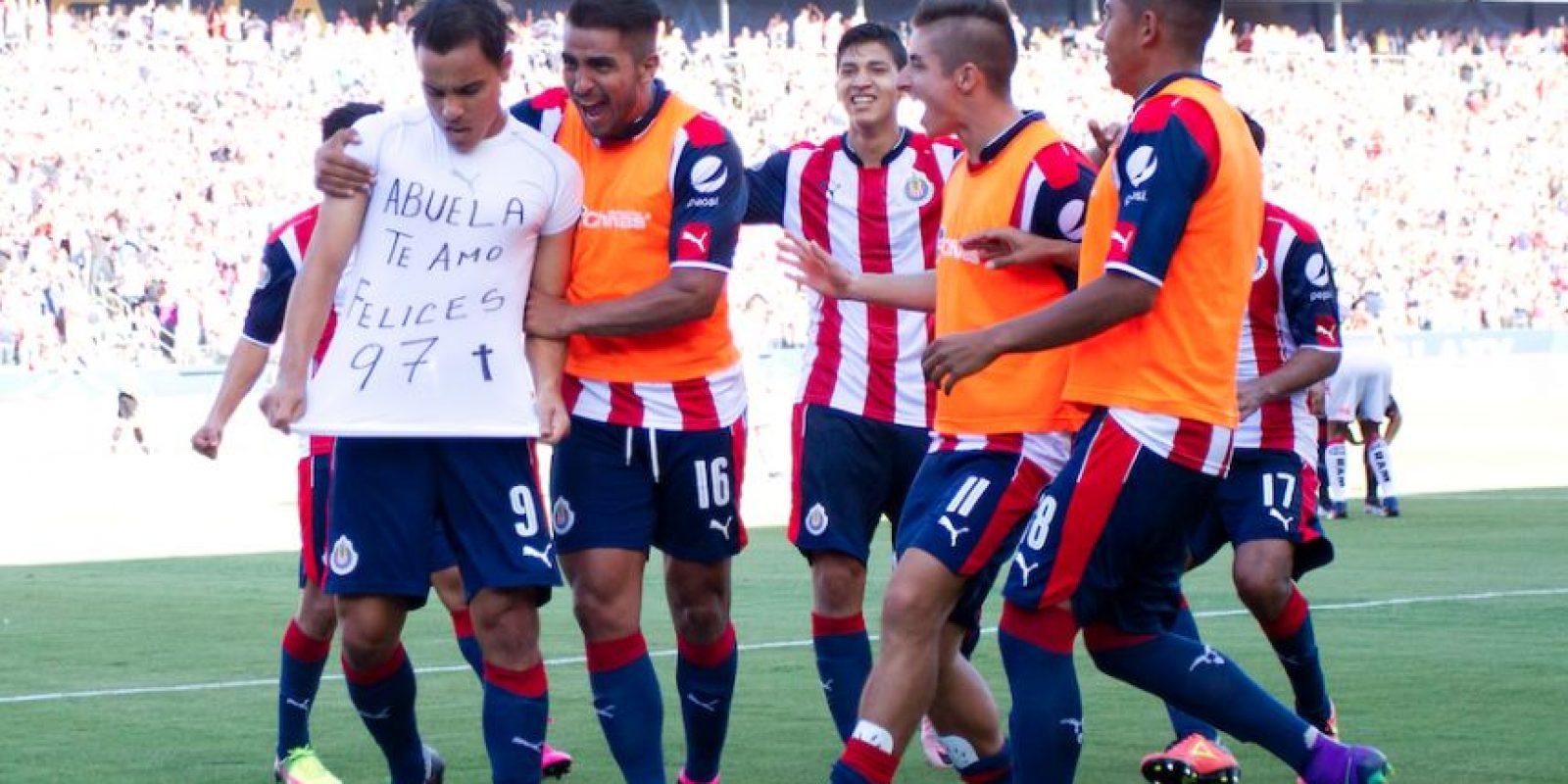 Omar Bravo revela la razón por la que salió de Chivas Foto:Getty Images