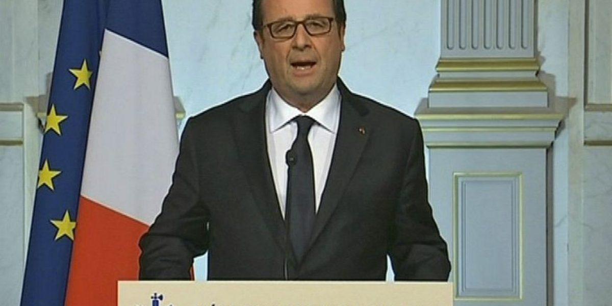 Hollande extiende 3 meses estado de emergencia en Francia