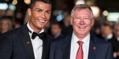 Cristiano Ronaldo y Alex Ferguson ganaron juntos en Manchester United el tricampeonato de la Premier League desde 2006/07, 2007/08, 2008/09 Foto:Getty Images