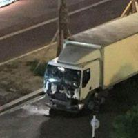 Este es el camión que usó el terrorista para el ataque. Foto:Twitter