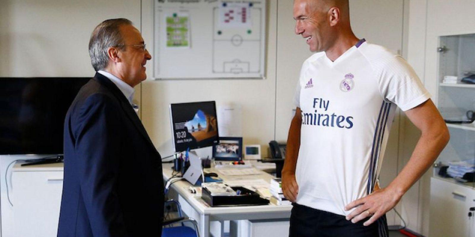 Florentino Pérez recibió a Zinedine Zidane en Valdebebas. Foto:Twitter: @realmadrid