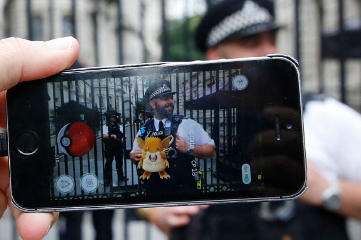-Estando en la calle, sólo hagan lo necesario con Pokémon Go. Foto:Getty Images