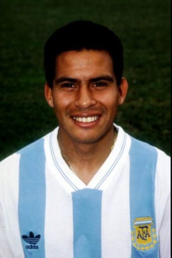 Fernando Cáceres. El exseleccionado nacional argentino se retiró en 2007 de las canchas, pero en 2009 fue atacado a disparos cuando le intentaron robarle su coche. Foto:Getty Images