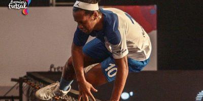 El astro mostró todo su talento con los lujos que lo caracterizan Foto:Twitter Premier Futsal