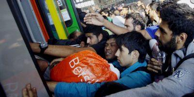 Migrantes en Hungría. Foto:AFP