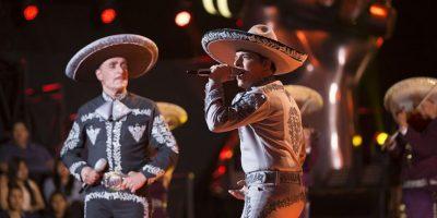 Los Titos cantaron Cien años Foto:Televisa